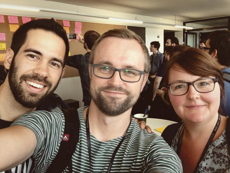 Edward (links), Katha (rechts) und meine Wenigkeit beim DevCamp